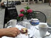 Koffee in Hamburg and crumble cake